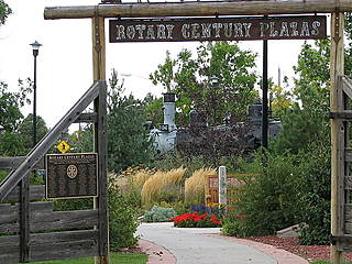 Rotary Century Plazas in den Cheyenne Botanic Gardens. © Johnrhubarb
